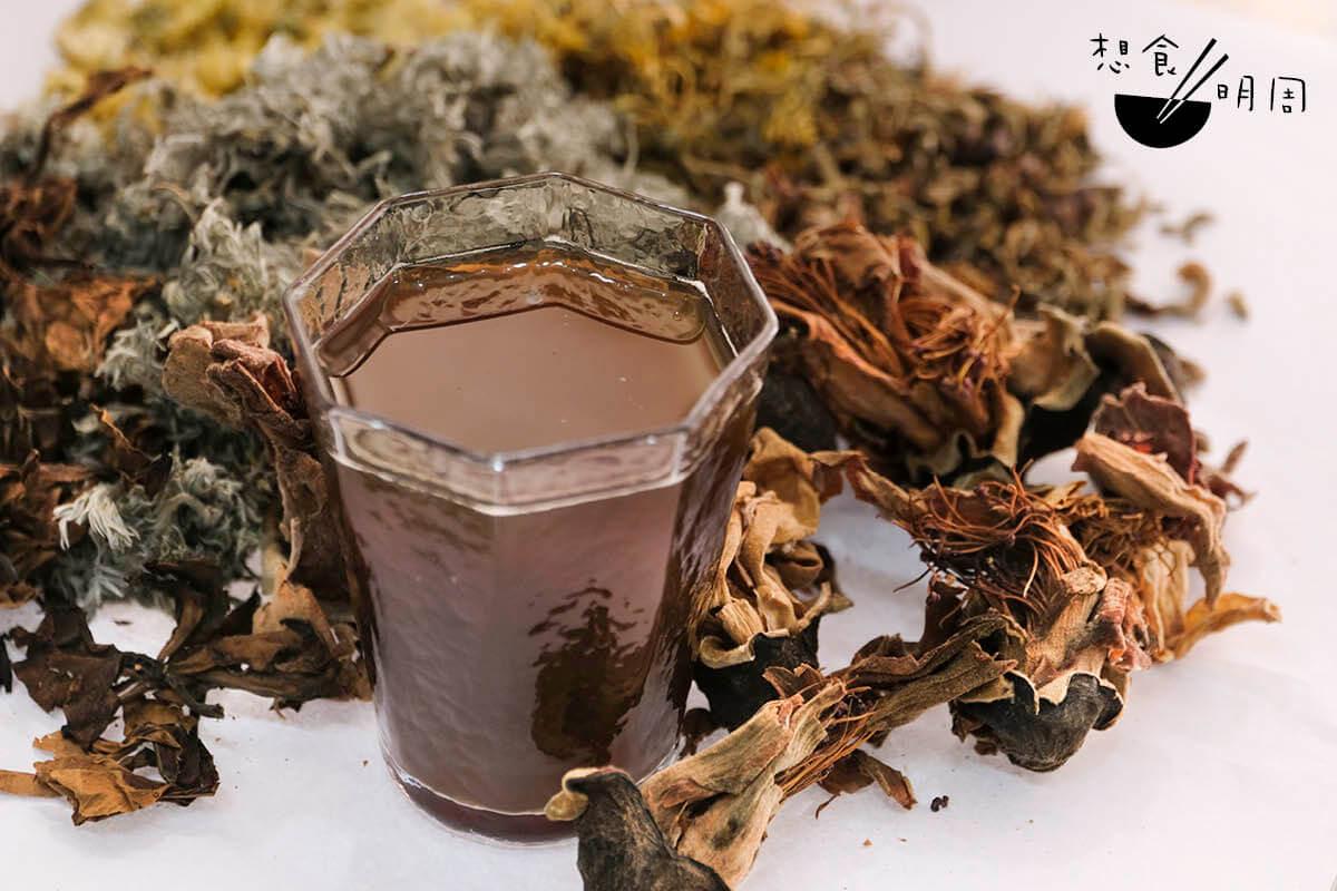 木棉花乾是五花茶不可或缺的材料。