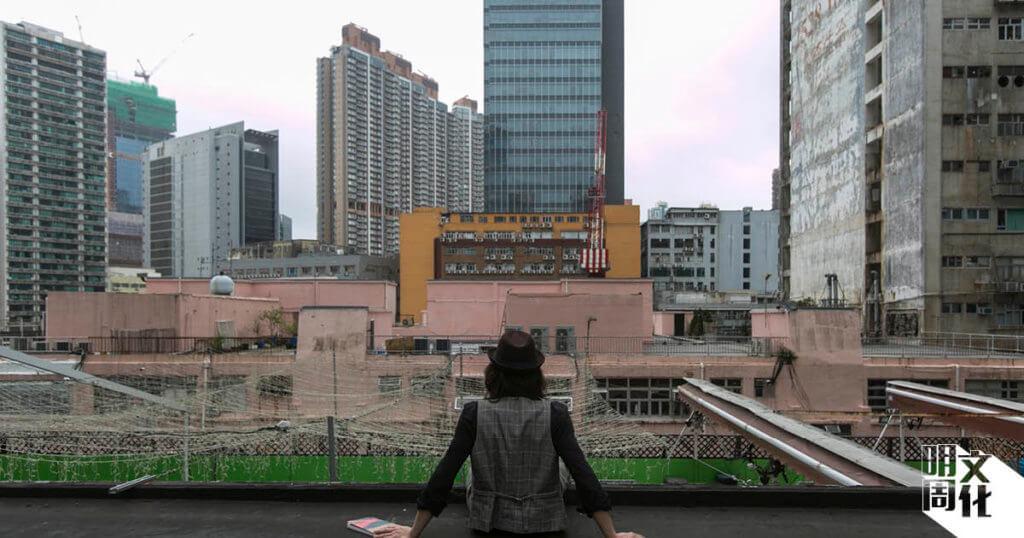 寫災難後的陰影,他相信是二○一九年後的香港人也相當有體會。
