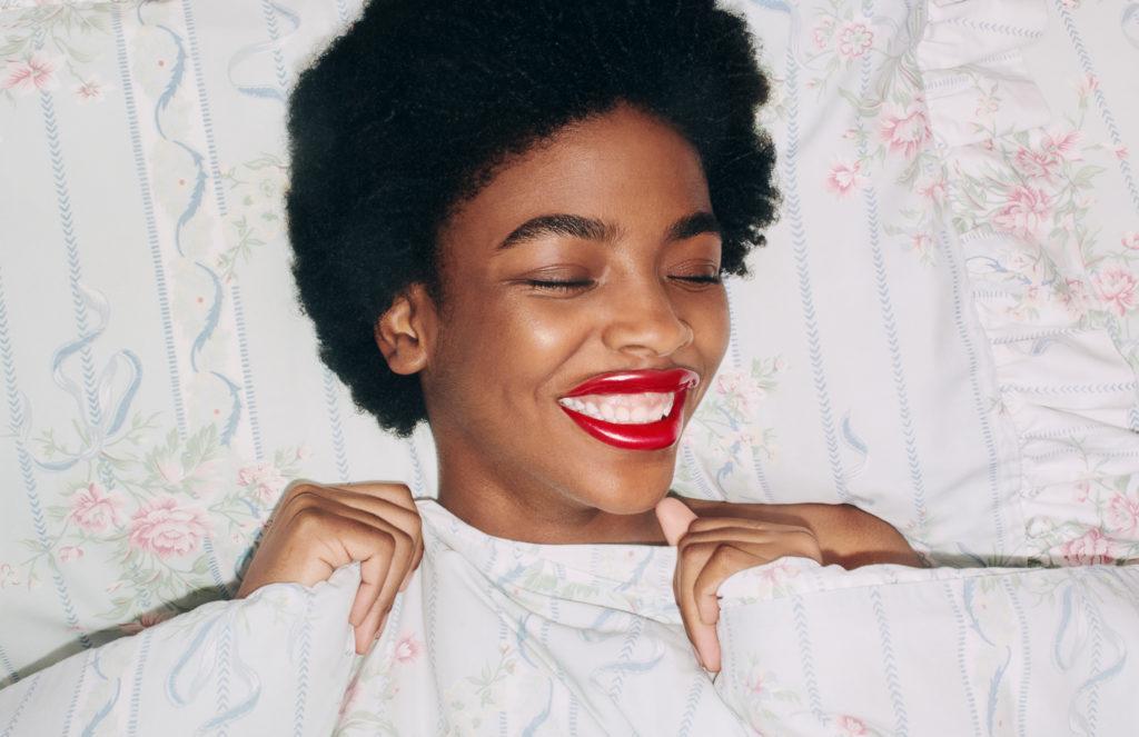gu697_rouge-de-beaute-brilliant-lipstick_digital-campaign_press_crops_300dpi_02