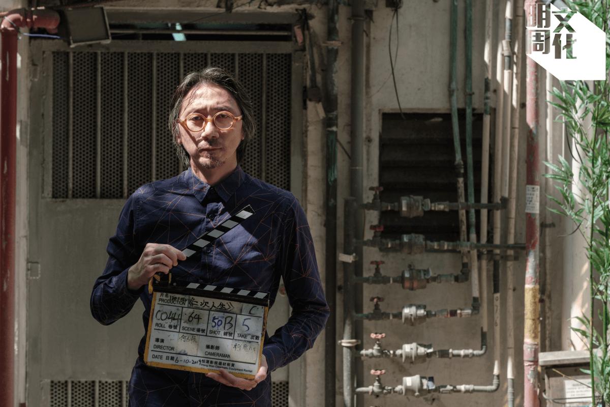 何力恒的足跡其實也一直沒有離開過電影,曾經當過電影宣傳,幫了十套八套電影做海報,現在他為自己的電影一口氣設計了八款海報。