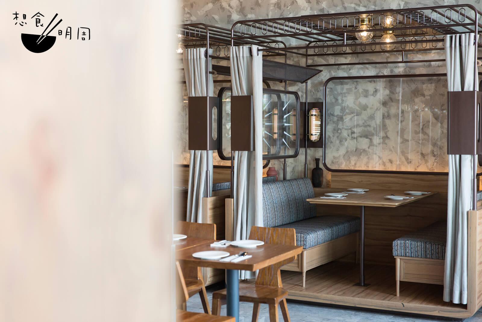 簡潔淡雅的裝潢、寬闊的卡位,讓人有置身東南亞渡假村的感覺