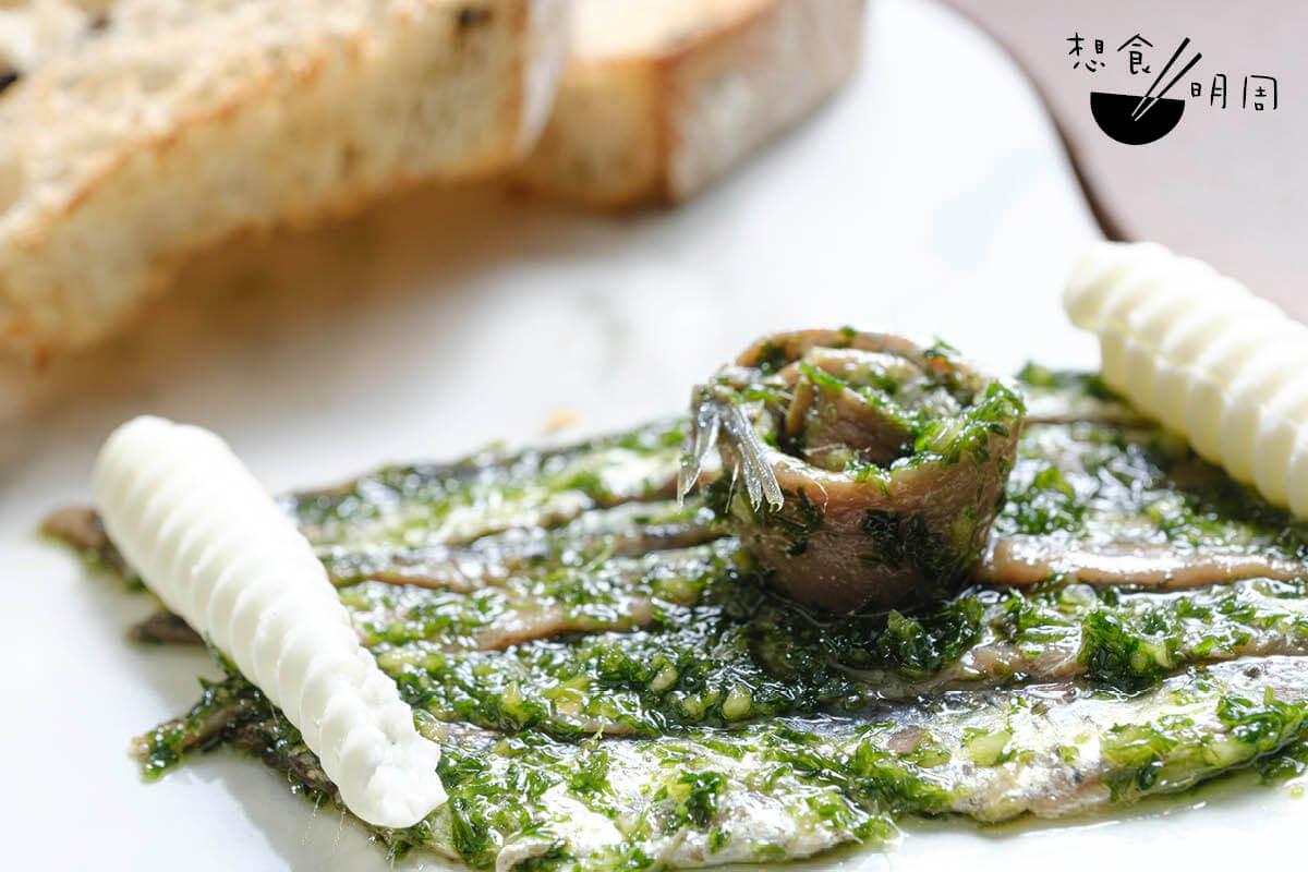 鯷魚是當地人生活不可或缺的食材。Francesco說,他最愛是配牛油、多士及新鮮香草吃。