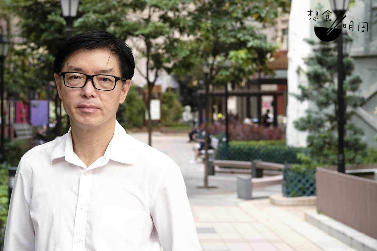 胡炎松是香港潮州商會文化事務委員會主任,熟知潮州掌故,「就像潮汕牛肉丸,便是從客家牛肉丸轉變過來的!」