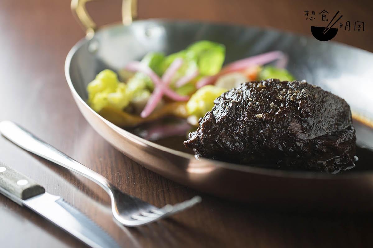 Faux filet de boeuf//分享主菜,用里脊肉煎烤而成,火喉很好。Johan說這道菜最能體現法式小館的隨性精神。($498)