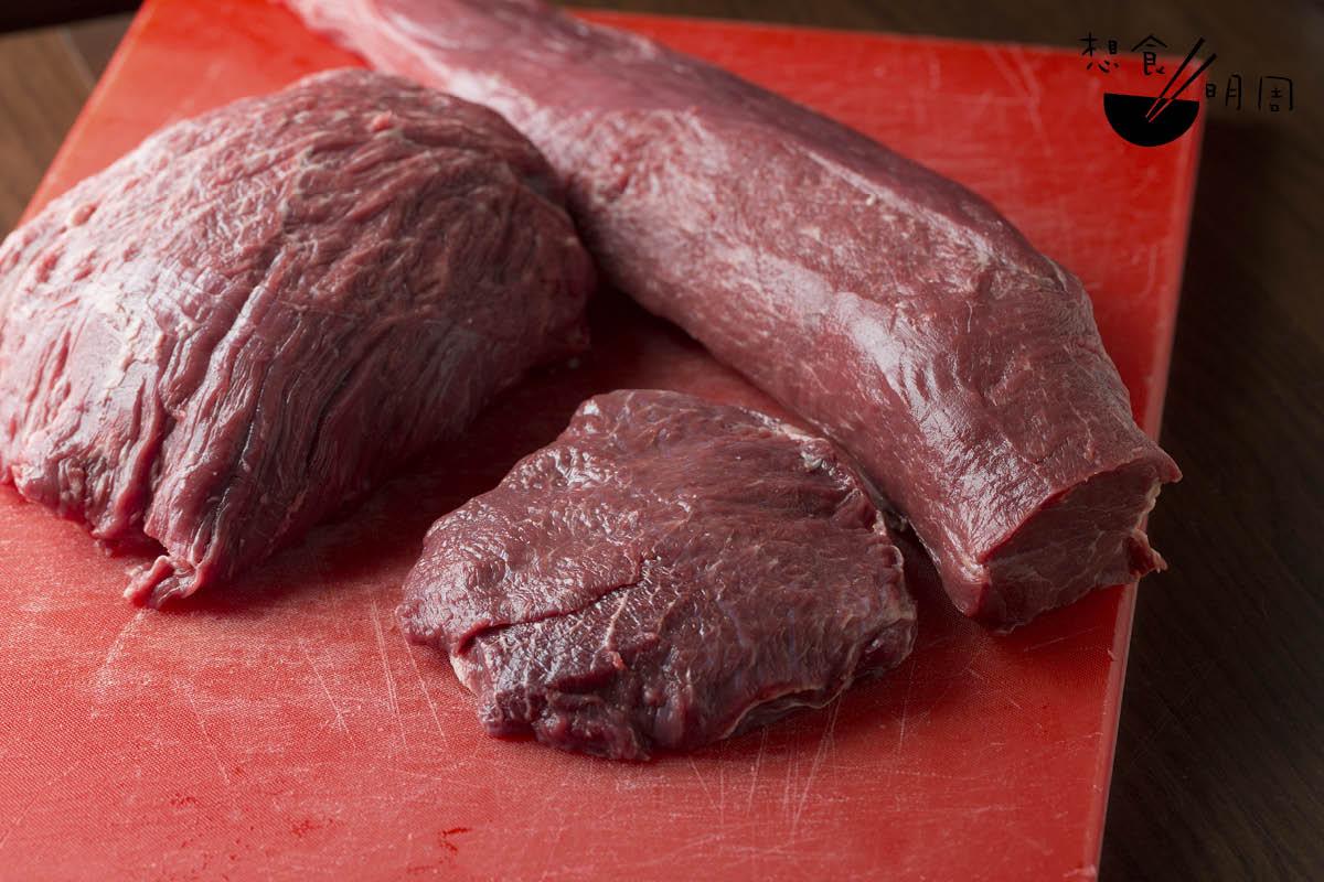 Johan說,法牛以「三十四刀」的解牛法而聞名。細緻的解牛法,讓廚師能將部位的特色更精準呈現。