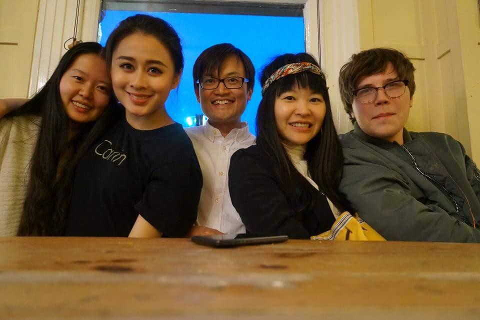 2015年離開倫敦前和戲劇系其他同學合照。