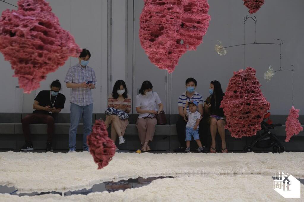 本地藝術家陸浩明的裝置藝術《產物、殘物》