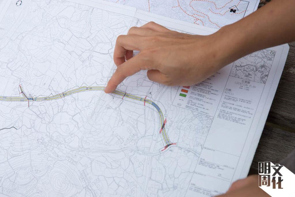 林小姐比對規劃圖,直指農業園不能用一般城巿工程發展的概念來考慮農業。