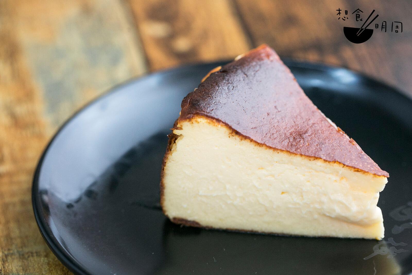 由日籍太太親手做的巴斯克蛋糕,口感綿密,芝士香頗濃。($25)