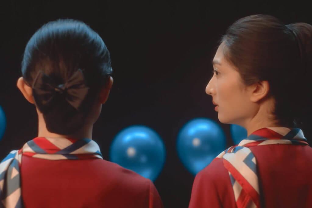 兩位空姐Stella(右,毛曄穎飾)與Yankie(黎玉清飾)的生命經驗各異,總有無法理解的時候。