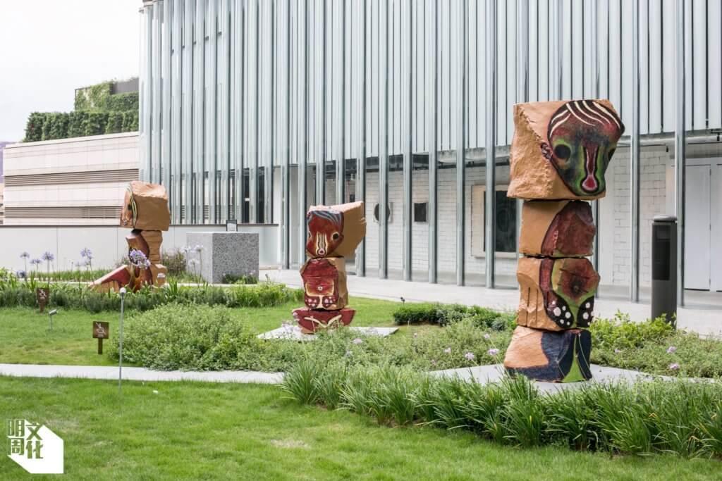 日本藝術家加藤泉雕塑《無題》