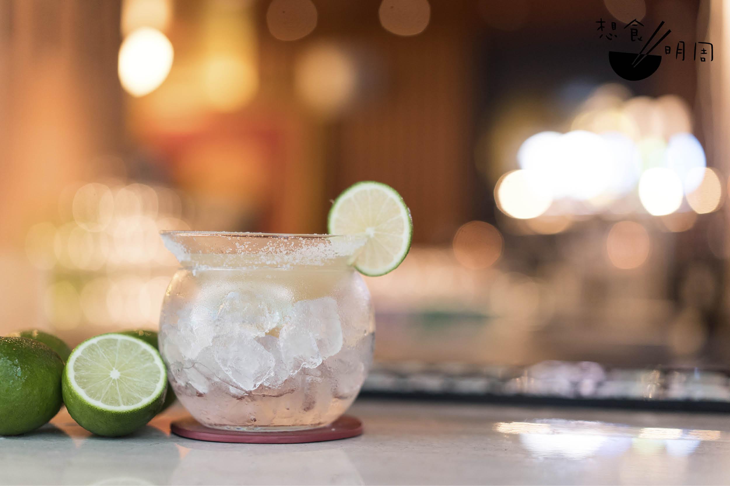 Carlos Slim // 冰釀奉上,攤長多sip幾口都依然涼快,加上青檸汁的酸香,是非常refreshing的一杯。