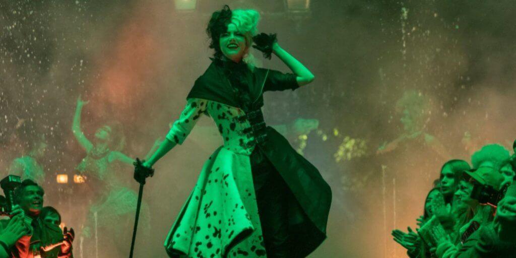 cruella-emma-stone-costumes-social