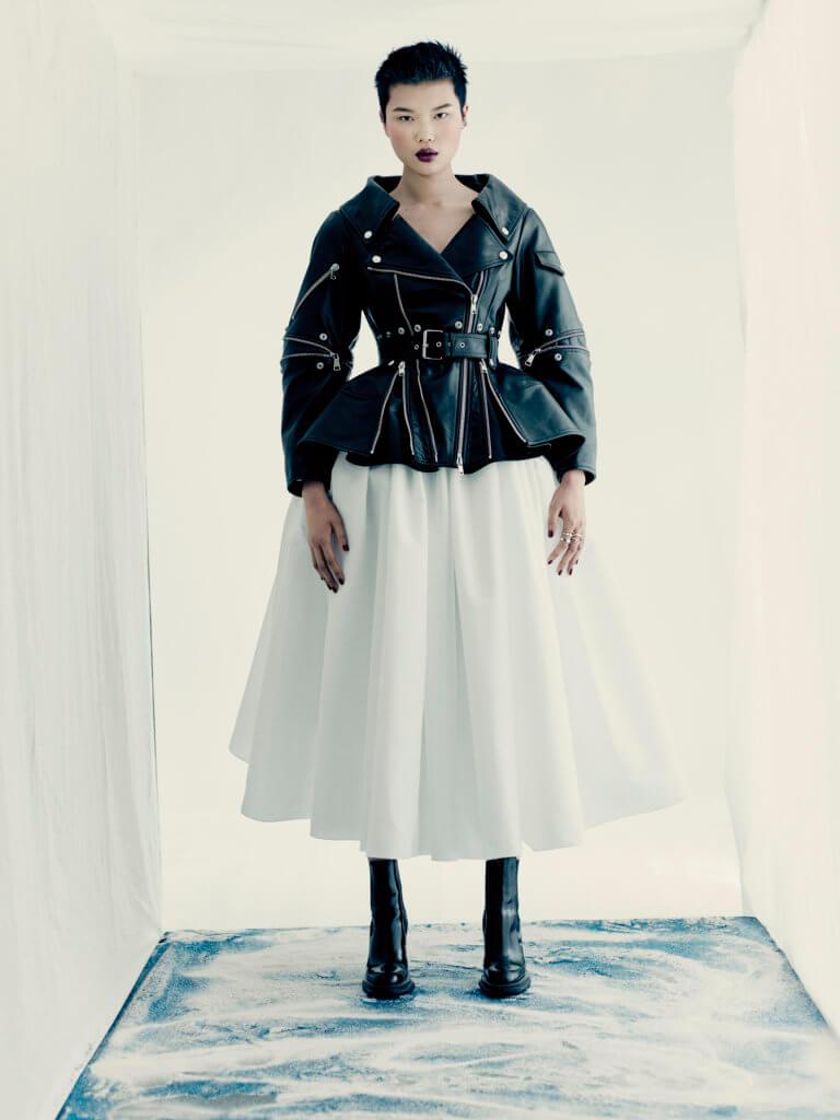 alexander-mcqueen-aw21-womenswear-collection_8