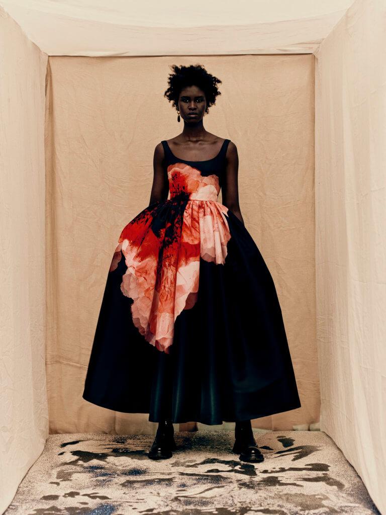 alexander-mcqueen-aw21-womenswear-collection_2