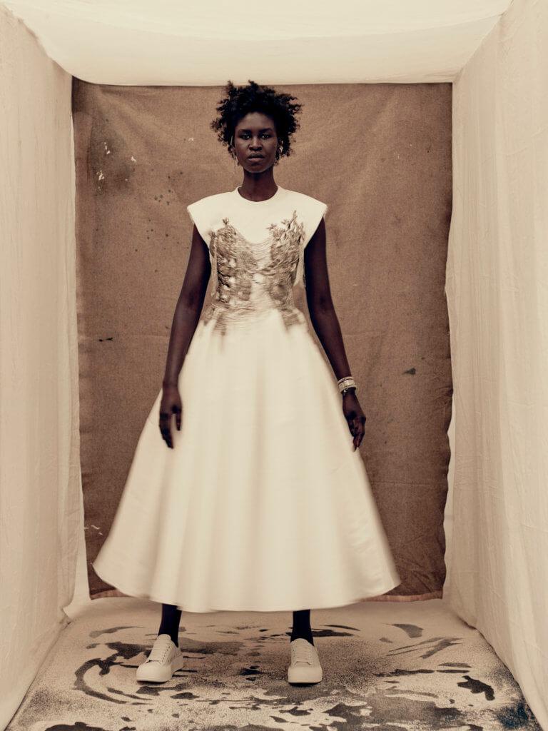 alexander-mcqueen-aw21-womenswear-collection_15