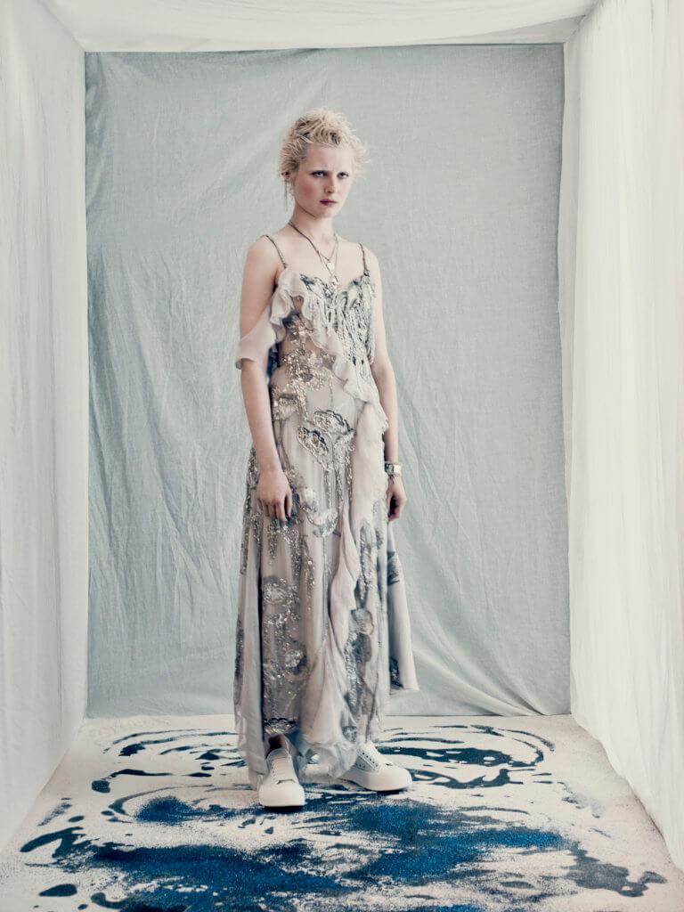 alexander-mcqueen-aw21-womenswear-collection_9
