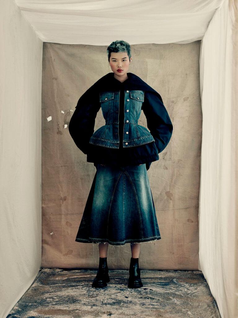 alexander-mcqueen-aw21-womenswear-collection_14