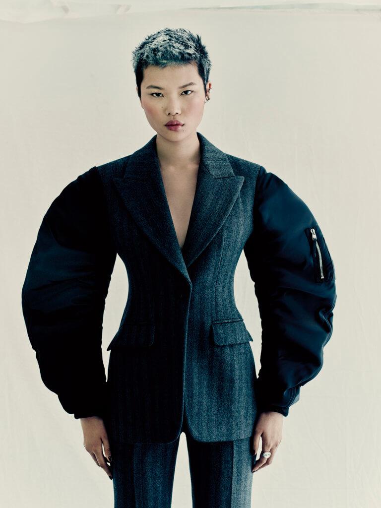 alexander-mcqueen-aw21-womenswear-collection_12
