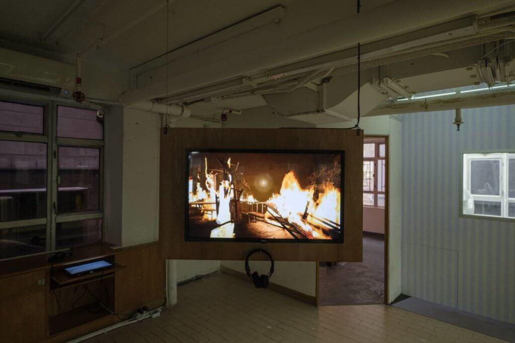 室內幽暗的環境,適合展示錄像作品