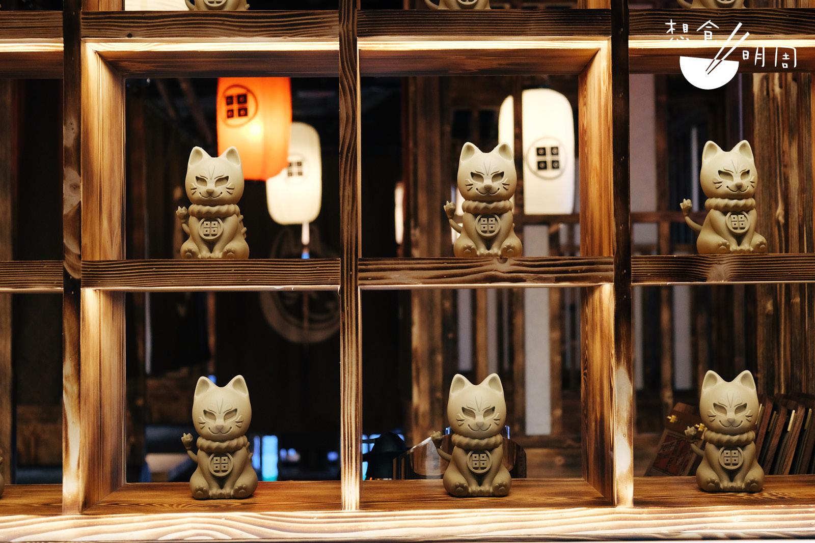餐廳內都充滿着各種與狐狸相關的擺設!