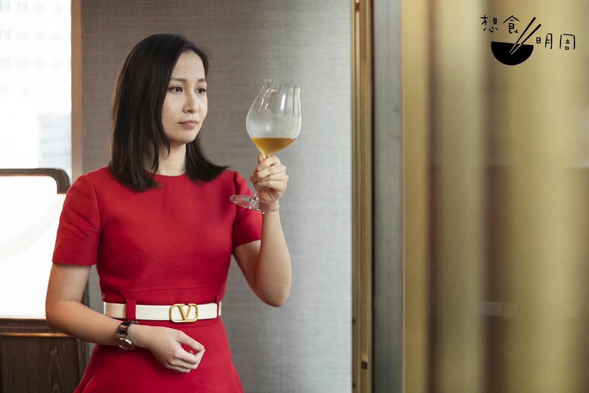 從前愛品嘗葡萄酒的Wing,一直期望以品酒的思維,為茶的世界開創新局。
