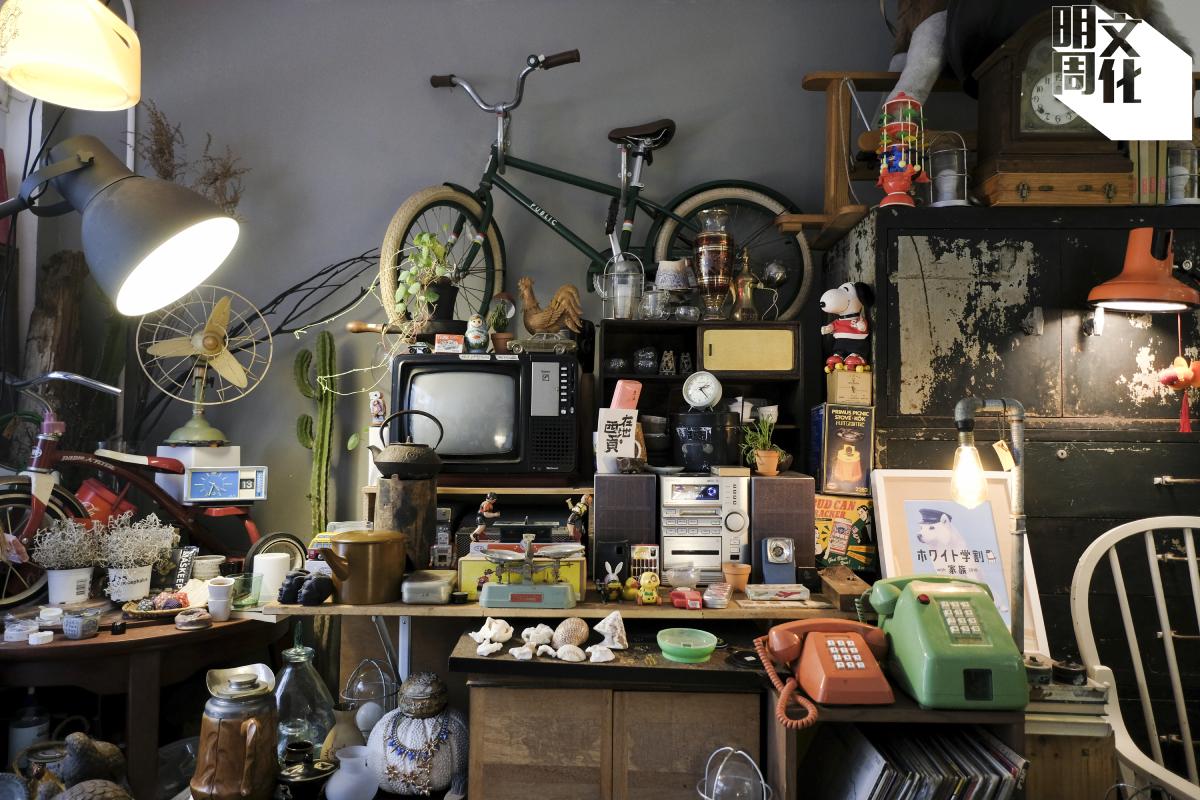 店舖也擺放KK的個人收藏,向客人展示他曾經喜歡的舊物。