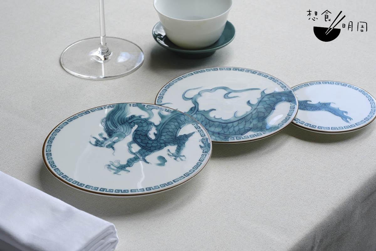 可曾發現:現時高級中菜廳都試着用底盤(Show plate),傳達主廚的理念和風格?