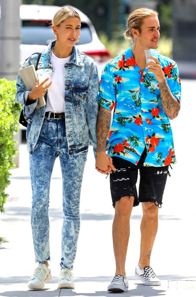 Beverly Hills, CA - Justin Bieber and his fiance Hailey Baldwin hold hands as they walk through Beverly Hills. The couple sip on cold drinks as they go on their date. Pictured: Justin Bieber, Hailey Baldwin BACKGRID USA 26 AUGUST 2018 BYLINE MUST READ: Vasquez-Max Lopes / BACKGRID USA: +1 310 798 9111 / usasales@backgrid.com UK: +44 208 344 2007 / uksales@backgrid.com *UK Clients - Pictures Containing Children Please Pixelate Face Prior To Publication*