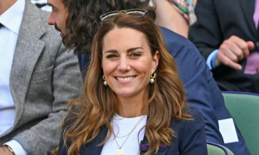 kate-middleton-makes-chic-appearance-at-wimbledon-2021