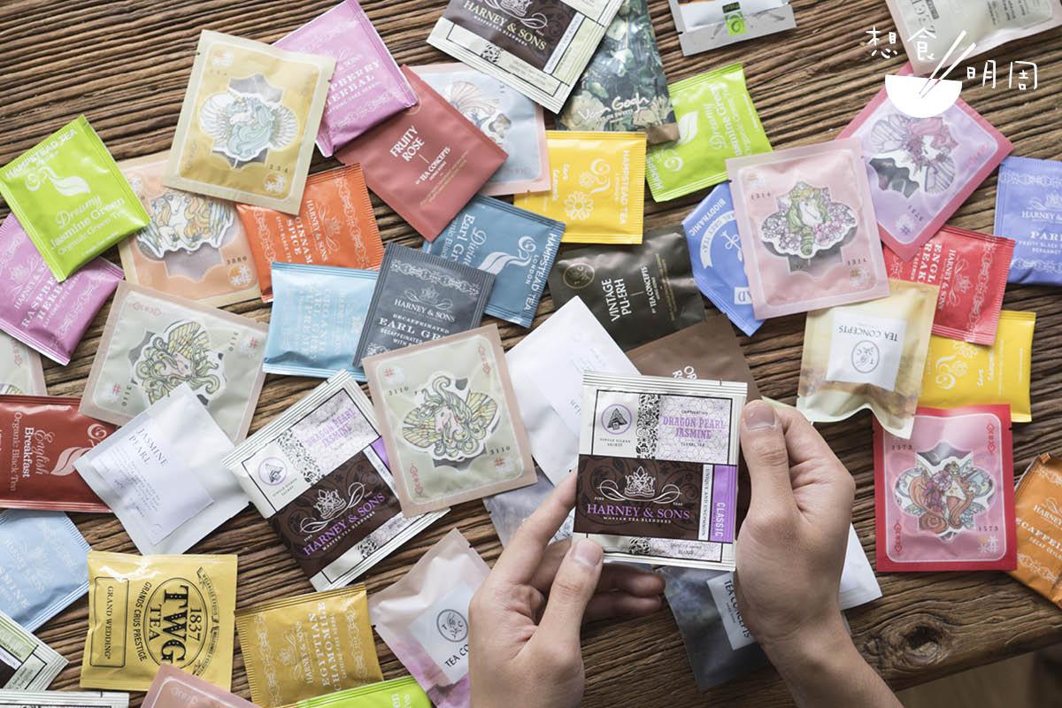 茶葉容易氧化;為了延長茶包的最佳使用期,一般廠商都會在包裝袋注入氮氣。