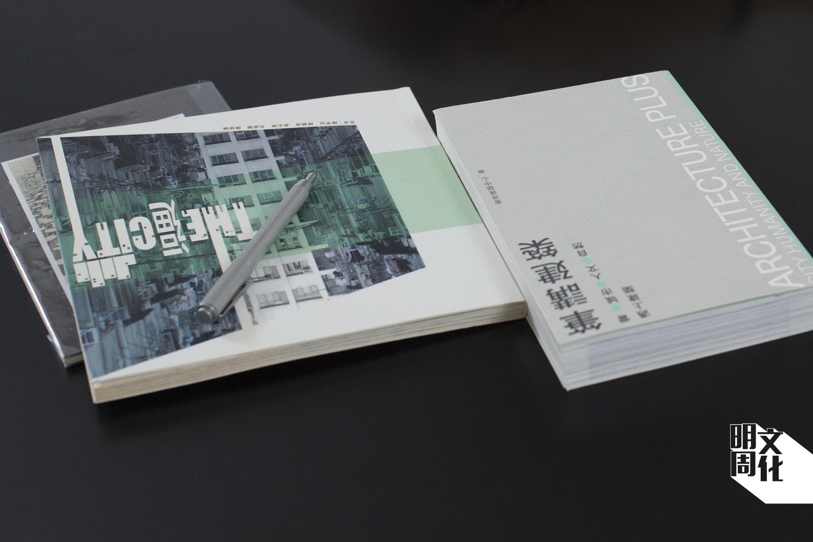 Corrin曾出版不少書籍記錄香港建築
