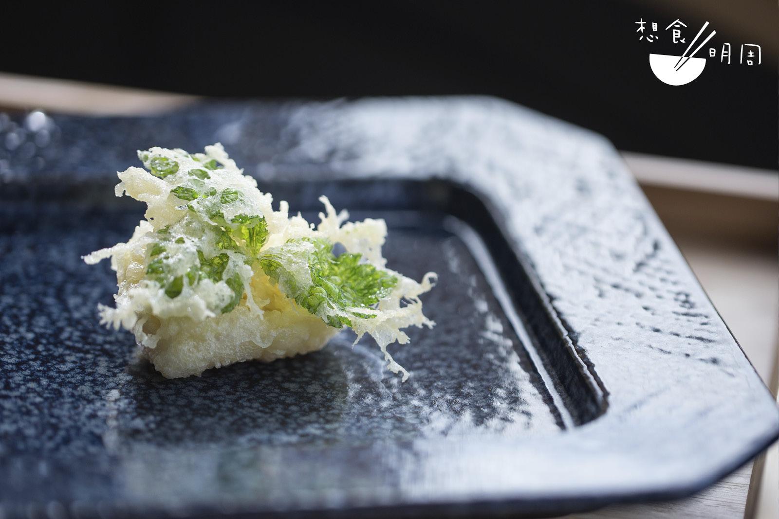 黃師傅表示,共花了一整個月研製「花膠三葉」這菜式,更一度打算放棄!