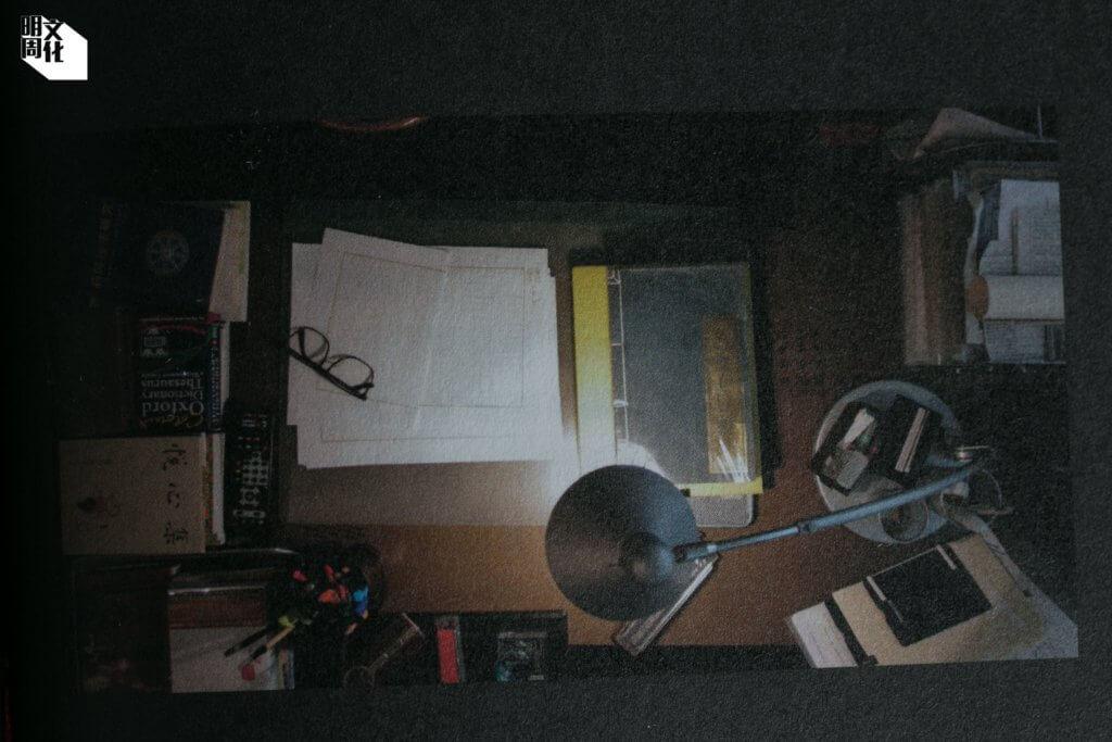 黃霑書房內的書桌
