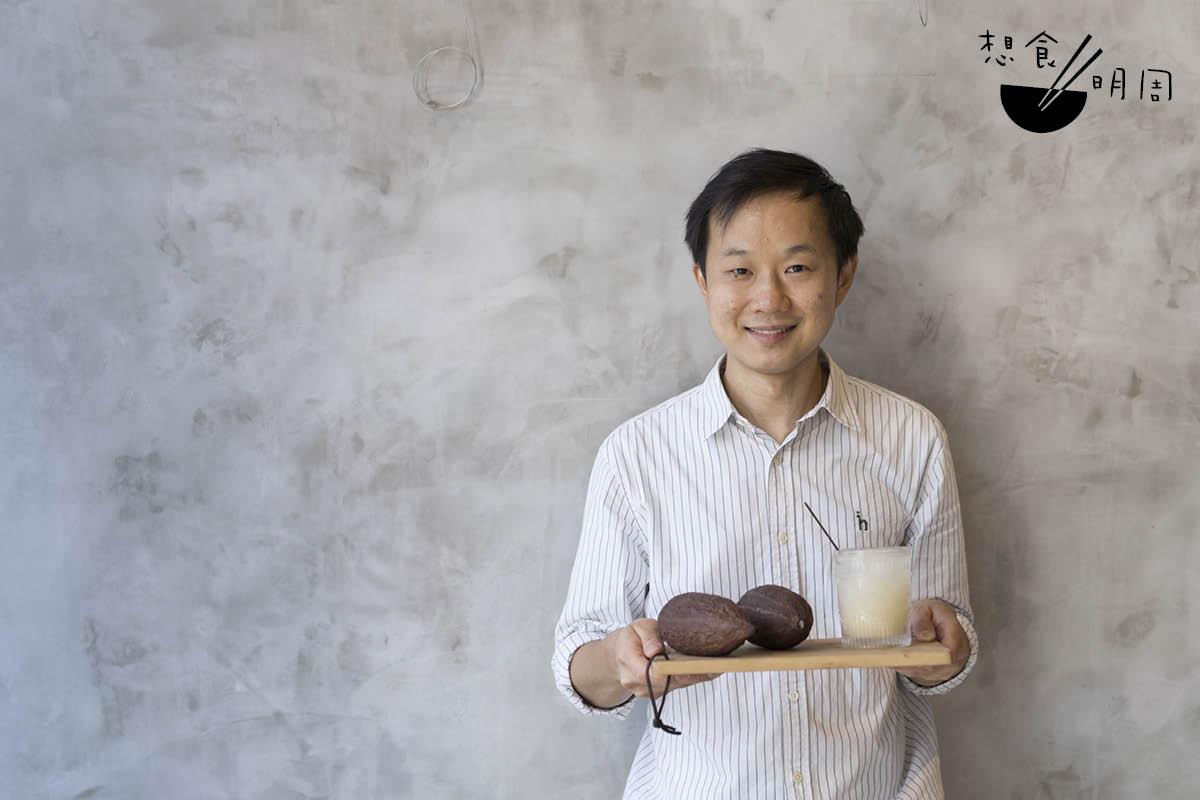 朱古力品評師Jeffrey Lee不諱言說,現時可可果肉非常吃香,要從云云大廠中爭得一百公斤,殊不容易。