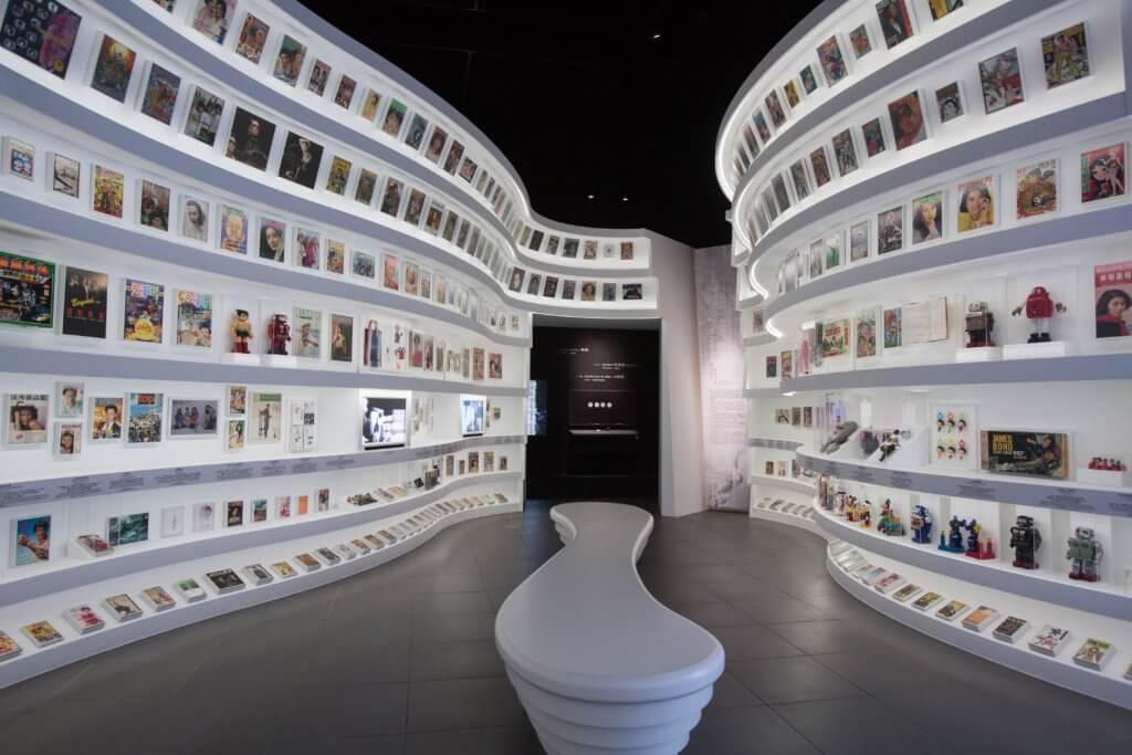 展覽亦展出不同年代經典玩具、漫畫和出版刊物。