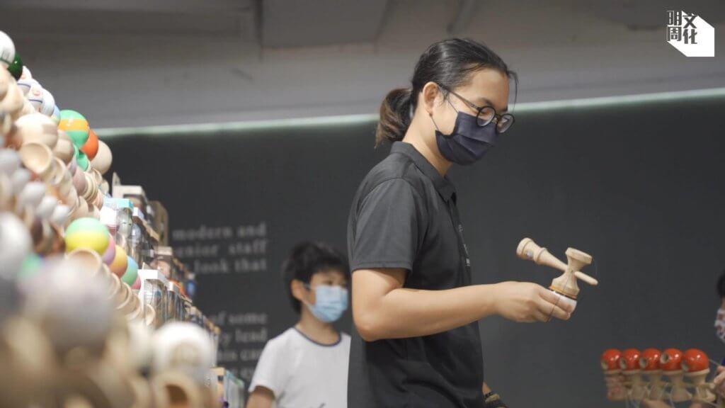 由零開始,李浩翔在數年間已累積超過千名學生。