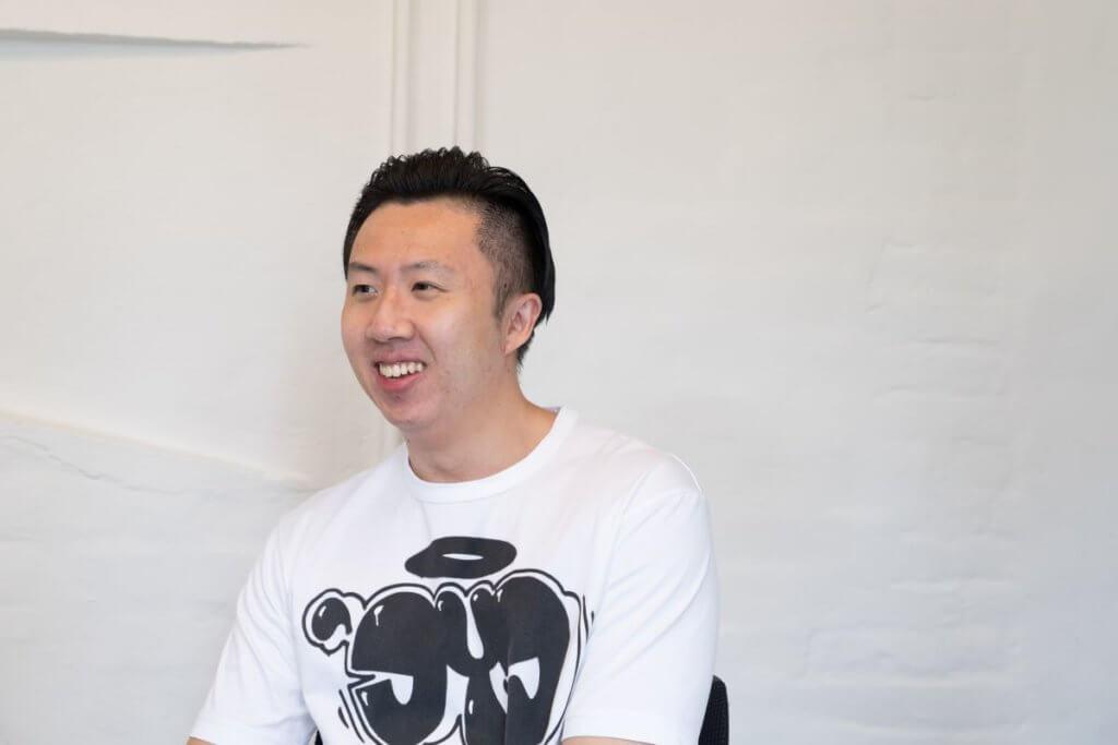 盧定彰致力以香港文學結合現代音樂創作,今次請來黃怡撰寫小說,再由邱頌偉以旁白形式朗誦,是實驗性的新嘗試。