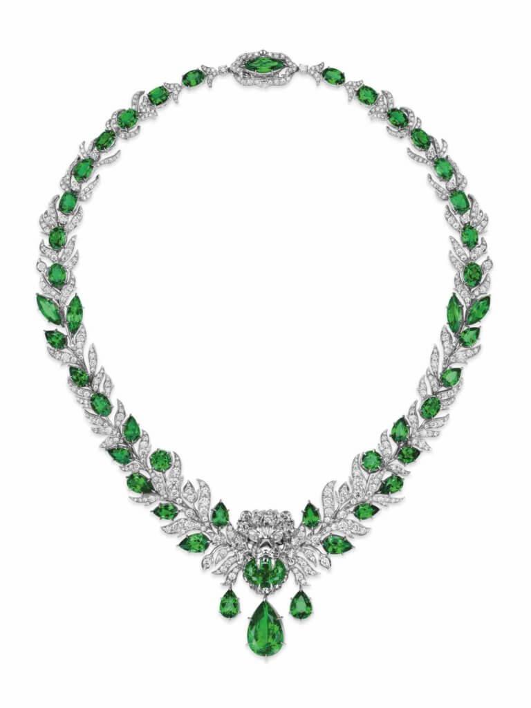 gucci-lion-head-lion-head-necklace-white-gold-1