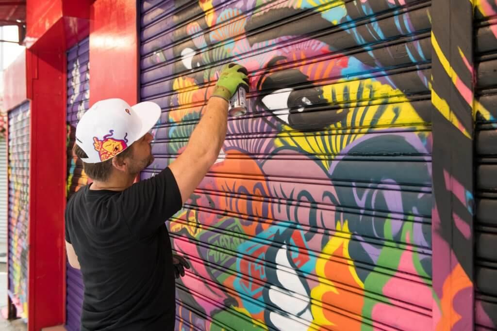 Szabotag從城市獲取靈感,在城市的大街小巷塗鴉繪畫壁畫,以城市為他的主要創作主題。(藝術家提供)