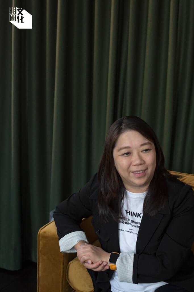 方由美術(Galerie Ora-Ora)創辦人梁徐錦熹,她同是香港畫廊協會創辦人和現任聯合主席,近月經常分享NFT經驗。