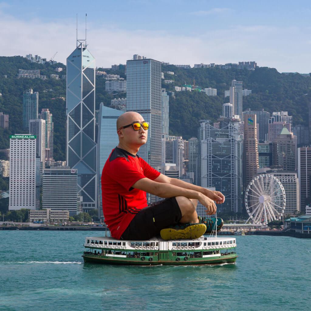 超現實攝影家SurrealHK(Tommy Fung)亦是參展香港藝術家之一