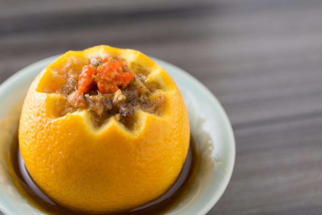 復刻宋代宮廷菜「蟹釀棖」  用花雕、米酒、桂花、蟹粉釀橙