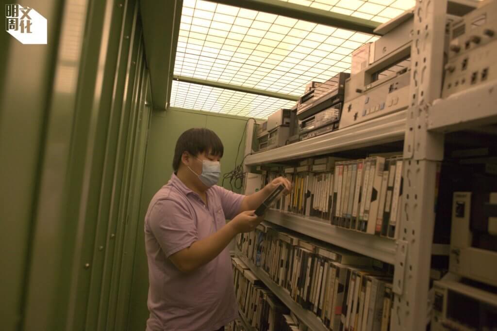 Michael與伙伴的收藏品多達數千餅,需租用數過迷你倉儲存。