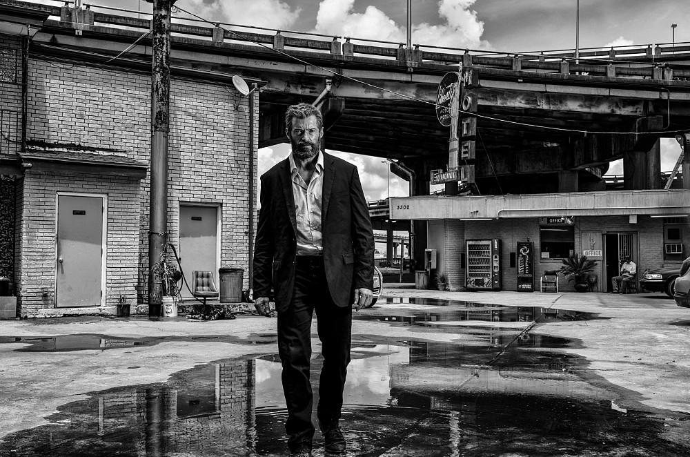 logan-2017-hugh-jackman-suit