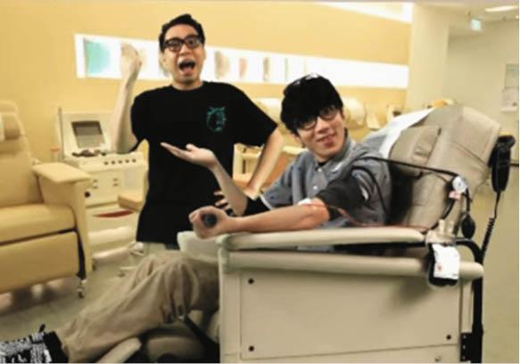 C君常以自己做例子鼓勵患此病的病童,早前更與陸永一起拍宣傳片,呼籲捐血救人。