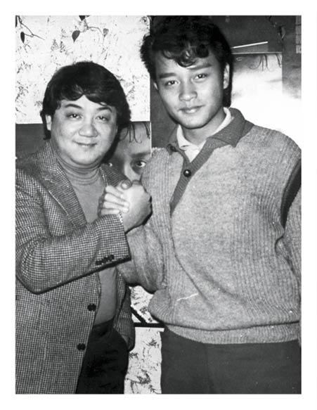 張國榮最初在歌壇鬱鬱不得志,黎小田建議他先專心唱歌,結果張國榮憑《風繼續吹》大紅。