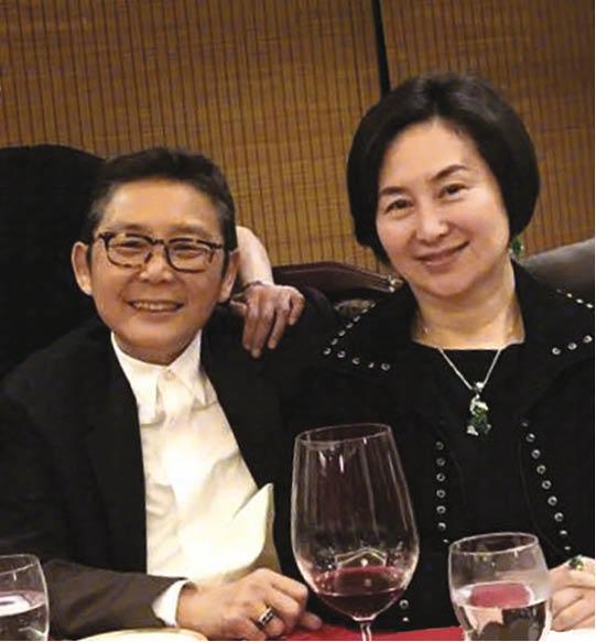 志雲說很愛俞琤和何超瓊這兩位好友,最感激是超瓊在他官司期間,為了他戒吃最愛的乳鴿兩年,只希望他沒事。
