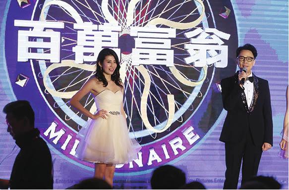 亞視今次強勢回歸,打頭陣的節目內容包括遊戲節目是陳志雲主持的《百萬富翁2018》,每集有機會送出一百萬港元,觀眾可透過手機App玩同步挑戰賽,贏取汽車。
