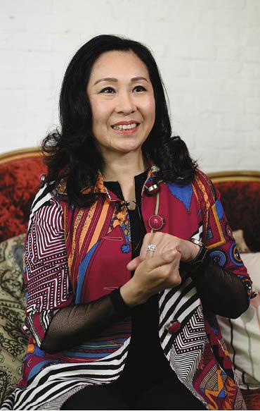 吳香倫明年四月披婚紗嫁給陳榮峻